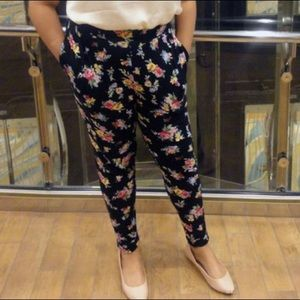Floral Tapered Pants
